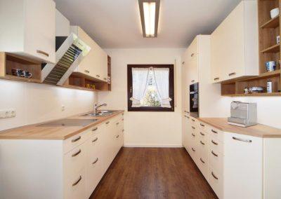 Einbauküche mit viel Stauraum LEICHT Küche
